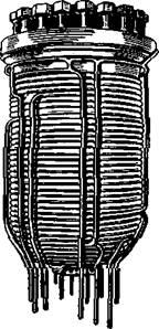 Автоклав с приваренным к нему змеевиком для обогрева водой или паром высокого давления.